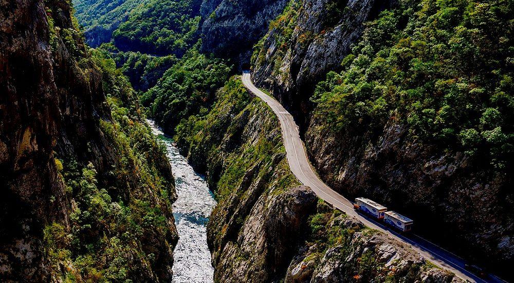 Дороги в Черногории. Стоит ли снимать авто?